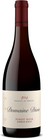 A bottle shot of the 2014 Domaine Divio Ribbon Ridge Pinot Noir.